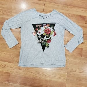 Long Sleeve T-Shirt w/Skull Graphic Large